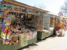 Феодосийскую набережную освободят от торговых точек в 2015 году