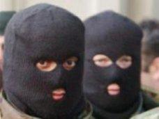 В Симферополе двое неизвестных ограбили магазин