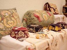 В Севастополе открылась выставка крымскотатарского прикладного искусства