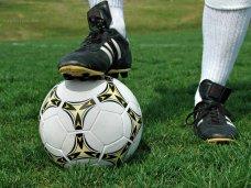 Крымские футбольные клубы померяются силой