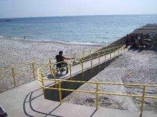 В Крыму разрабатывают проект по благоустройству пляжей для инвалидов