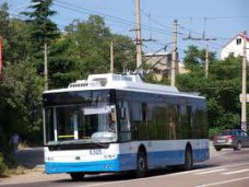 Из аэропорта Симферополя в Ялту пустили троллейбус