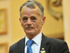 Джемилеву запретили въезд в Крым в течение пяти лет