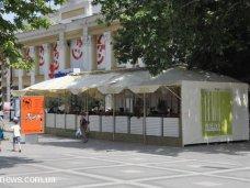 Летние кафе в Симферополе останутся на своих местах