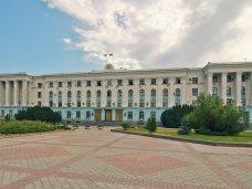 Крымский парламент принял в первом чтении закон об органах исполнительной власти
