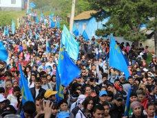 В Крыму состоялось восхождение на Чатыр-Даг в память о жертвах депортации