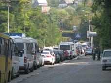 Пьяный водитель на остановке в Севастополе сбил четырех человек