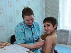 Российские медики продолжают осмотры крымчан и диспансеризацию сирот