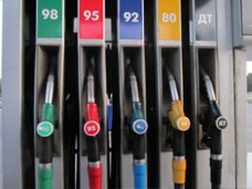 В Крыму цены на бензин на 35% ниже, чем в Украине
