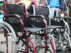 Крымские инвалиды получили кресла-коляски от «Единой России»