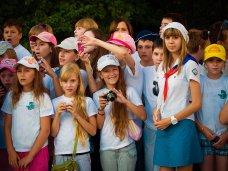 Для школьников Симферополя выделили 5 тыс. бесплатных путевок в летние лагеря