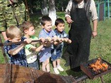 В Строгановском детдоме кузнецы провели мастер-класс