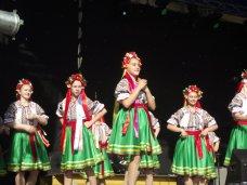 В Симферополе выступили вокальные и танцевальные коллективы