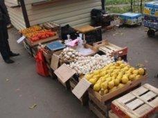 У стихийных торговцев Симферополя изъяли товара на полмиллиона рублей