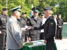 В Симферополе приняли присягу 100 судебных приставов