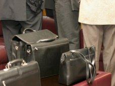 Крымские депутаты проголосовали за законопроекты о выплате пенсий госслужащим