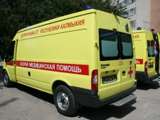 Детская больница в Симферополе получила в подарок два реанимобиля