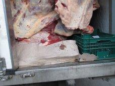 За выходные в Крым сорок раз пытались провезти контрабандные продукты