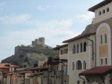 У подножья Генуэзской крепости появится средиземноморский замок