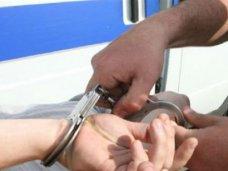 В Джанкое задержаны два хулигана, которые вымогали деньги у школьниц