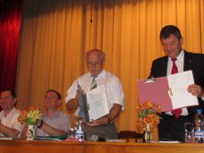 Сотрудники «Крымской железной дороги» подписали коллективный трудовой договор