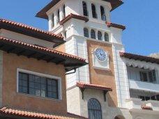 В Судаке появилась башня с музыкальными часами
