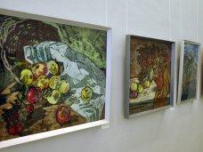 В Симферополе открылась юбилейная выставка ялтинской художницы