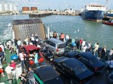 До октября через Керченскую переправу планируется провезти 3 млн. пассажиров