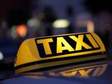 В Керчи оштрафовали таксистов-нелегалов