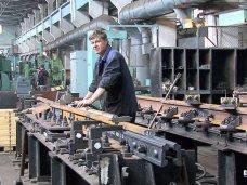 На Керченском стрелочном заводе повысили зарплаты на 25%