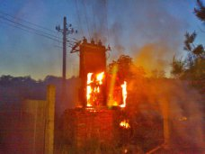 В Керчи загорелся трансформатор