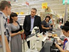 Крымский премьер проверил работу торговых объектов в Симферополе