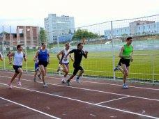 Крупнейшие стадионы Крыма откроют для пробежек