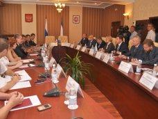 В Совете министров Крыма подписан ряд соглашений по сотрудничеству со Свердловской областью