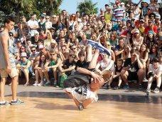 На набережной Ялты открылся фестиваль «Yalta Summer Jam»