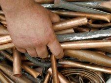 В Керчи двое задержаны на горячем при краже металла