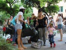 Крымские санатории, разместившие беженцев, пытаются отключать от услуг ЖКХ за долги