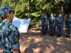 В Симферополе 26 сотрудников уголовно-исполнительной системы приняли присягу
