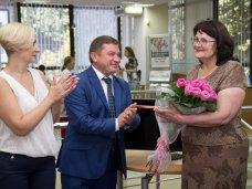 РНКБ выдал в Крыму 100 тыс. пенсионных карт