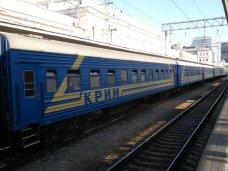 Поезд Симферополь – Москва успешно переправили через Керченский пролив