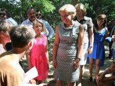 Вице-премьер РФ посетила хабаровских детей в пансионате Сакского района