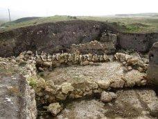 Крымские археологи приступили к исследованиям крепости Ак-Кая в Белогорском районе