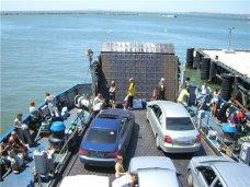 С начала лета через паромную переправу в Крым прибыло более 108 тыс. автомобилей
