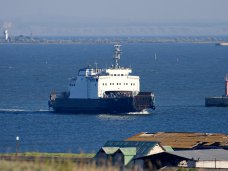 В порту «Кавказ» переправы в Крым ожидают 2,2 тыс. автомобилей