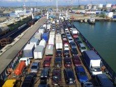 Переправы через Керченский пролив ожидают 2 тыс. автомобилей