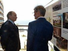 Президент России осмотрел ход строительства санатория «Мрия» в Ялте