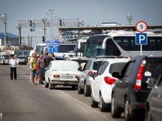 На Керченской переправе очереди на паром ожидают более 3 тыс. автомобилей