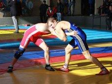 Сборная Крыма заняла 4 место на соревнованиях по греко-римской борьбе