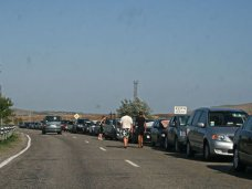 Очередь на паром в порту «Кавказ» сократилась до 30 автомобилей