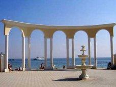 За лето в Евпатории отдохнуло на 28% меньше туристов, чем в прошлом году
